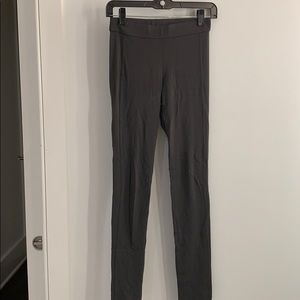 Theory charcoal grey legging.